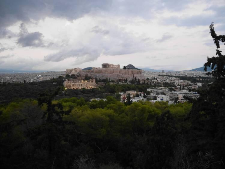Vue sur Acropole depuis colline Filoppapou