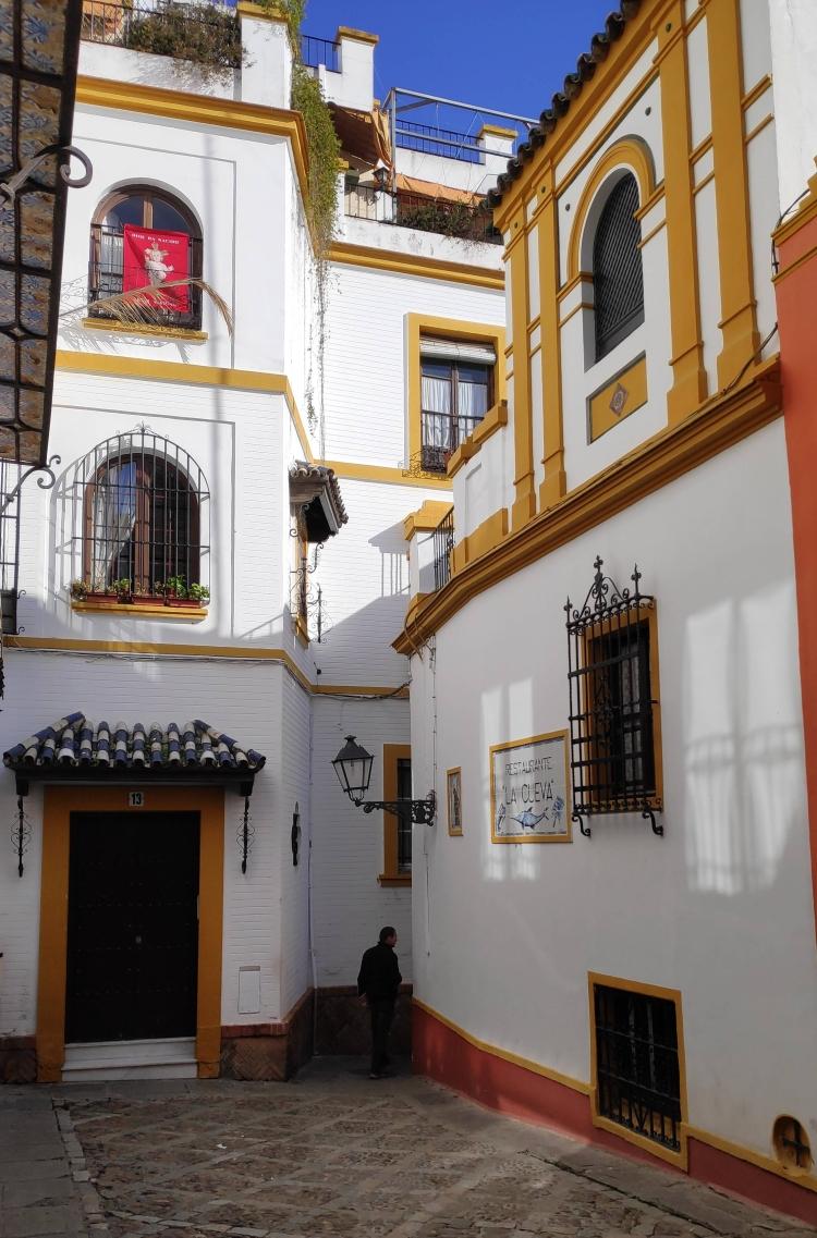 Dans le quartier Santa Cruz de Séville en Espagne