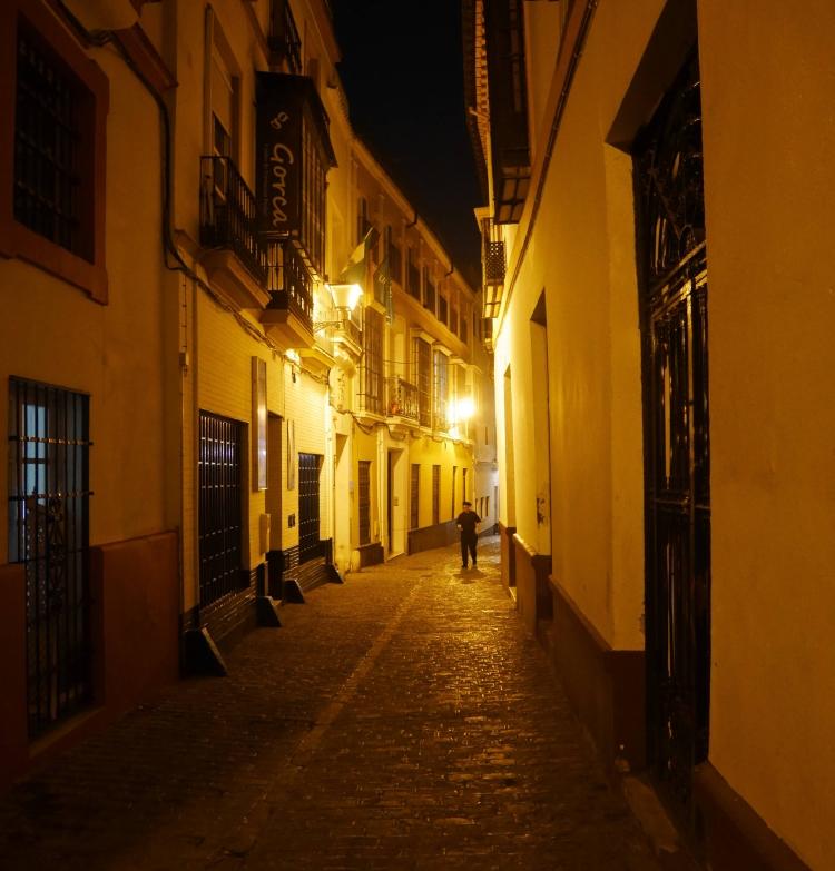 Les ruelles de Séville la nuit