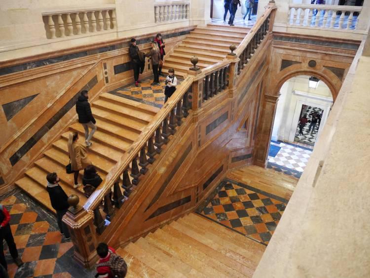 Escalier en marbre, archives générales des indes, Séville, Espagne