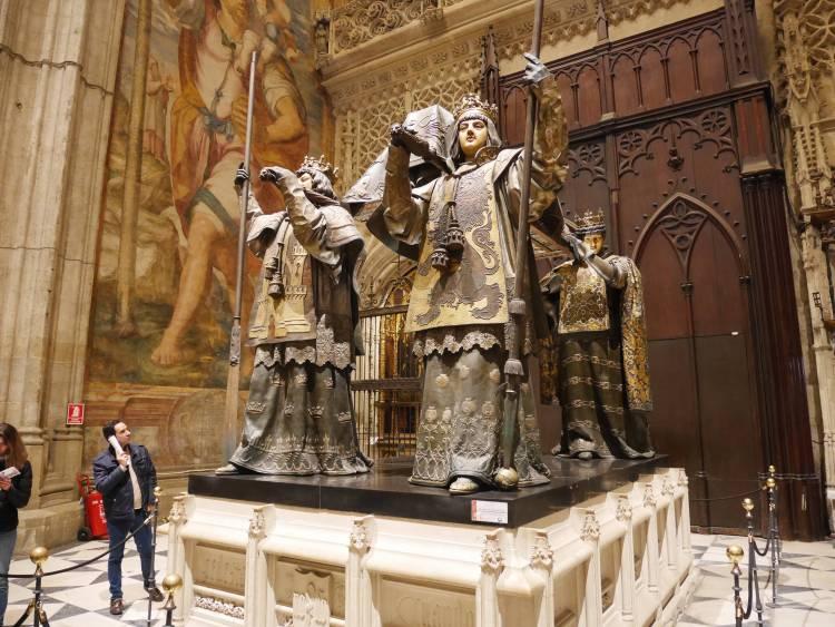 Tombeau de Christophe Colomb dans la cathédrale de Séville