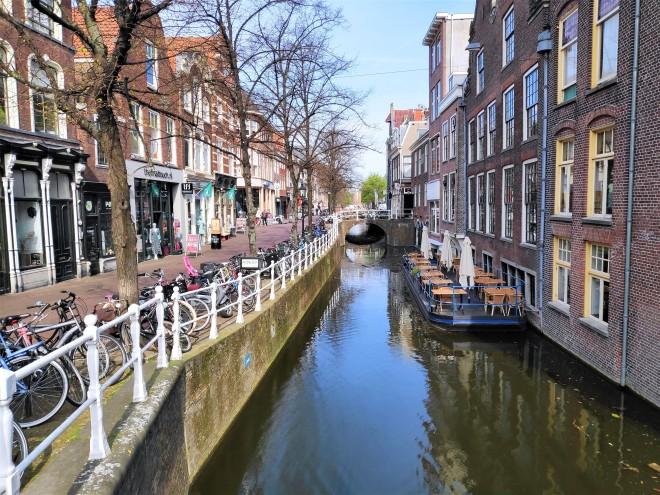 Vue sur canal, Koornmarkt, Delft