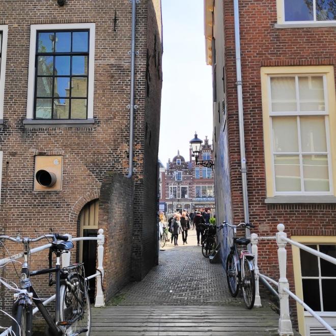 Passage vers Markt à Delft