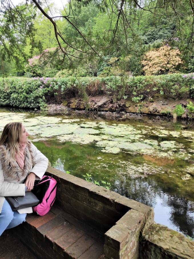 Le lac à Scotney Castle