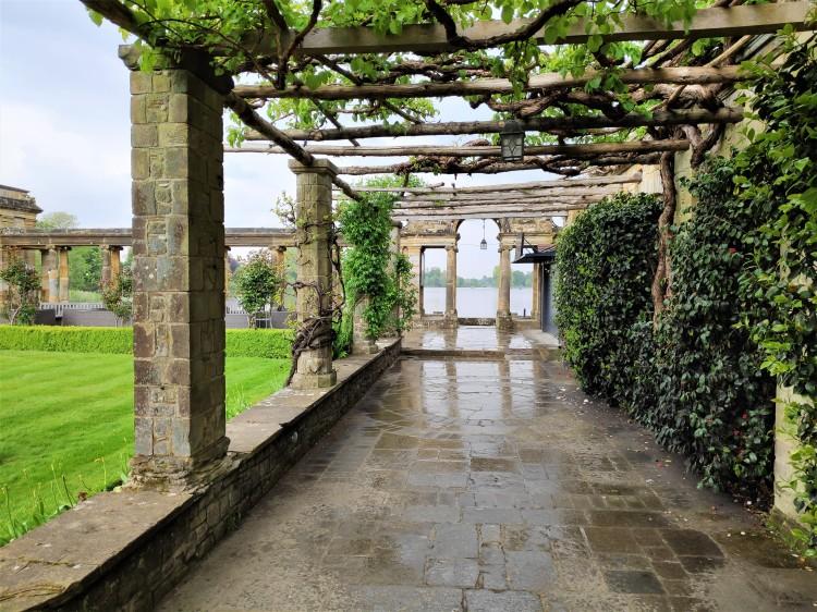 Les jardins et le lac de Hever Castle