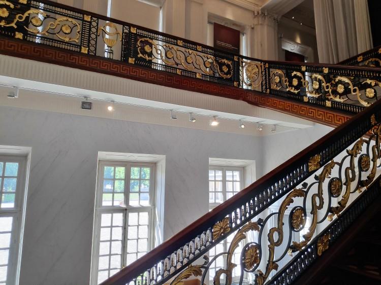 L'escalier intérieur du Château de Seneffe