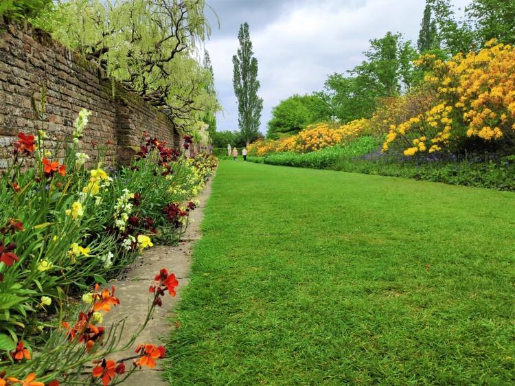 Une allée dans le jardin de Sissinghurst