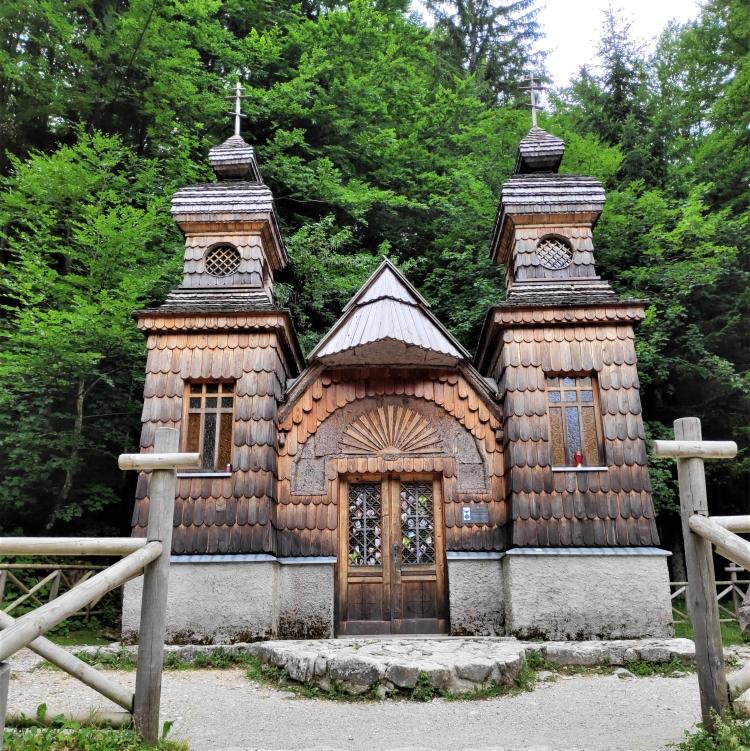La chapelle russe sur la route du Col de Vrsic