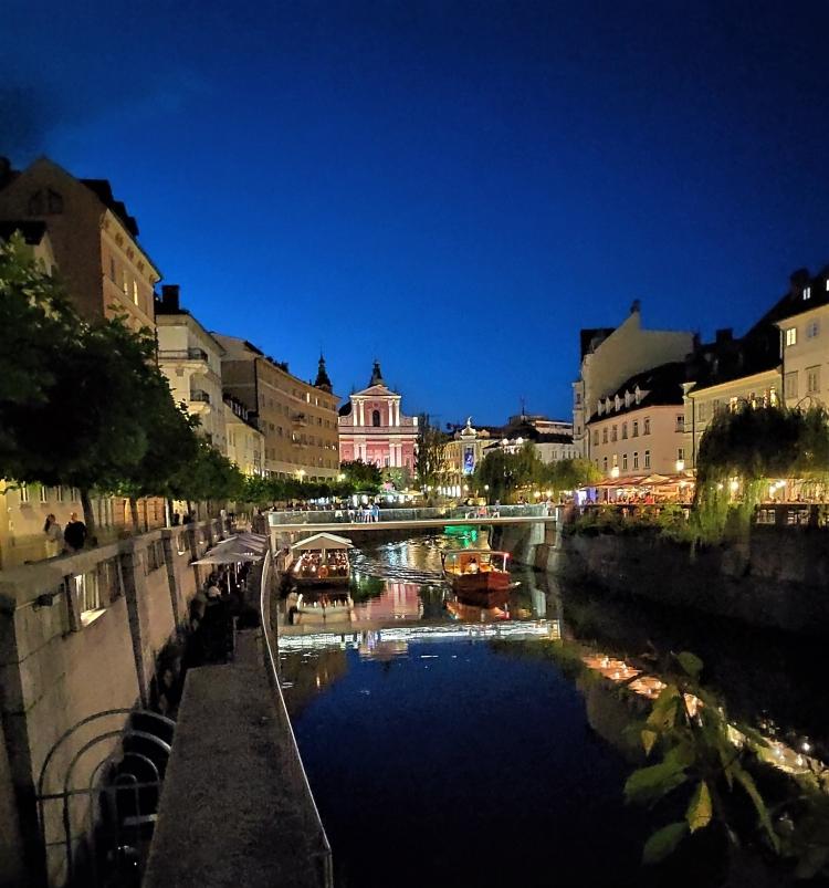 Le soir au bord de la Ljubljanica
