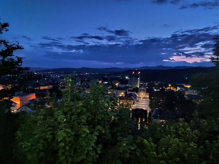 Vue sur Ljubljana en soirée