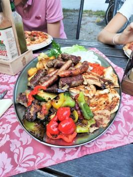 Plat de viande pour 2 en Slovénie