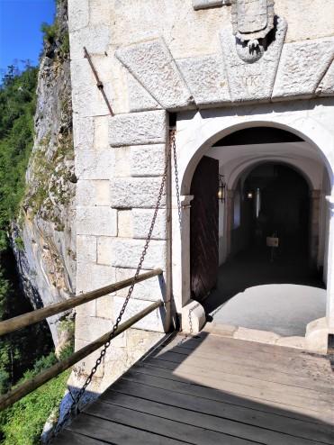 Entrée du Château de Predjama