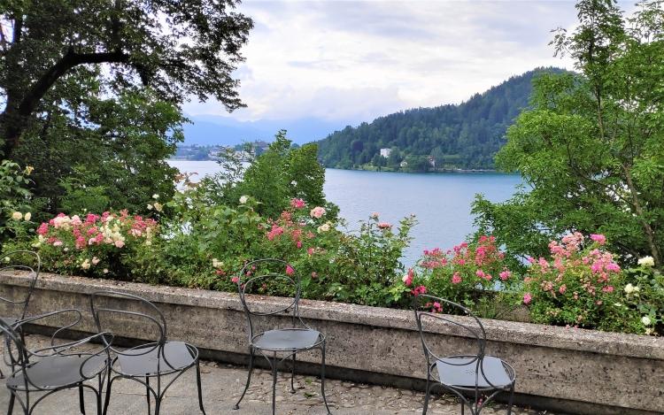Vue depuis l'îlot du lac de Bled