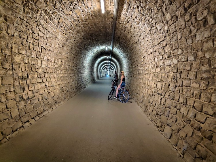 Tunnel pour cycliste en Slovénie