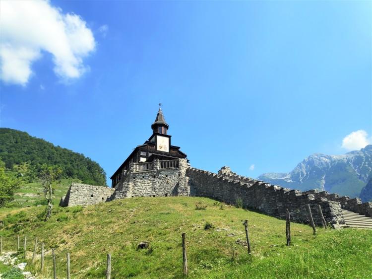 Découverte de l'église de Javorca