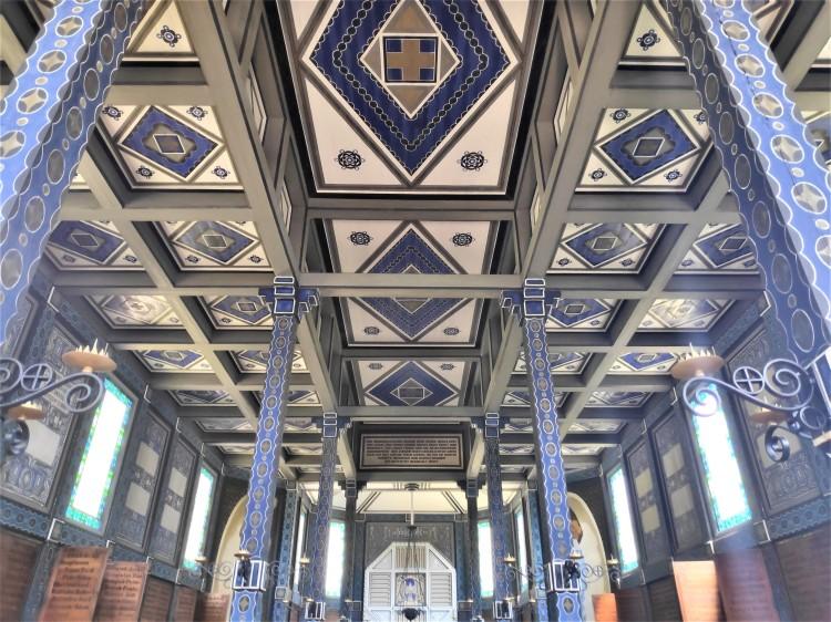 Intérieur de l'église de Javorca