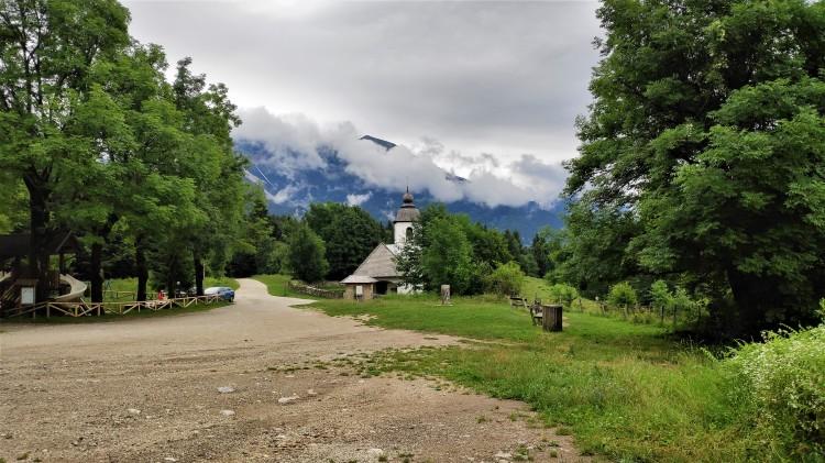 Eglise Sv. Katarina près de gorge de Vintgar