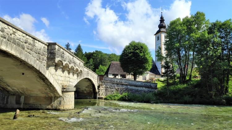 Pont et église de Bohinj