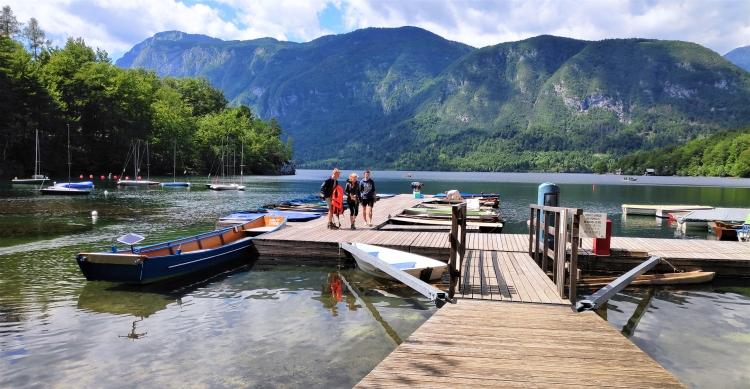 En barque au lac de Bohinj