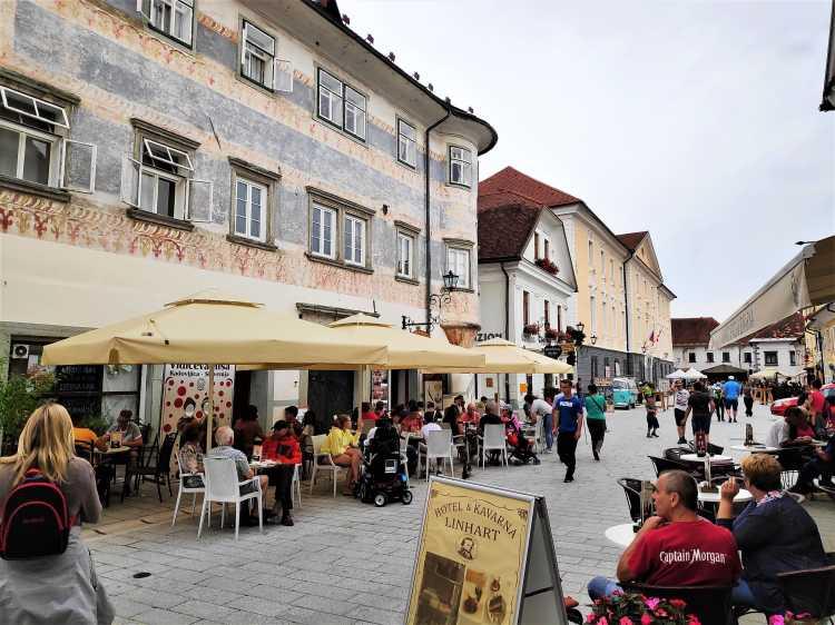 Linhartov trg à Radovljica