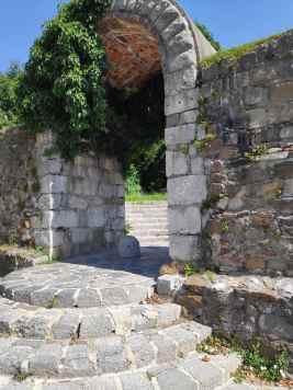 Mur d'enceinte Mirje