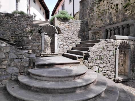 Cour du château de Stanjel
