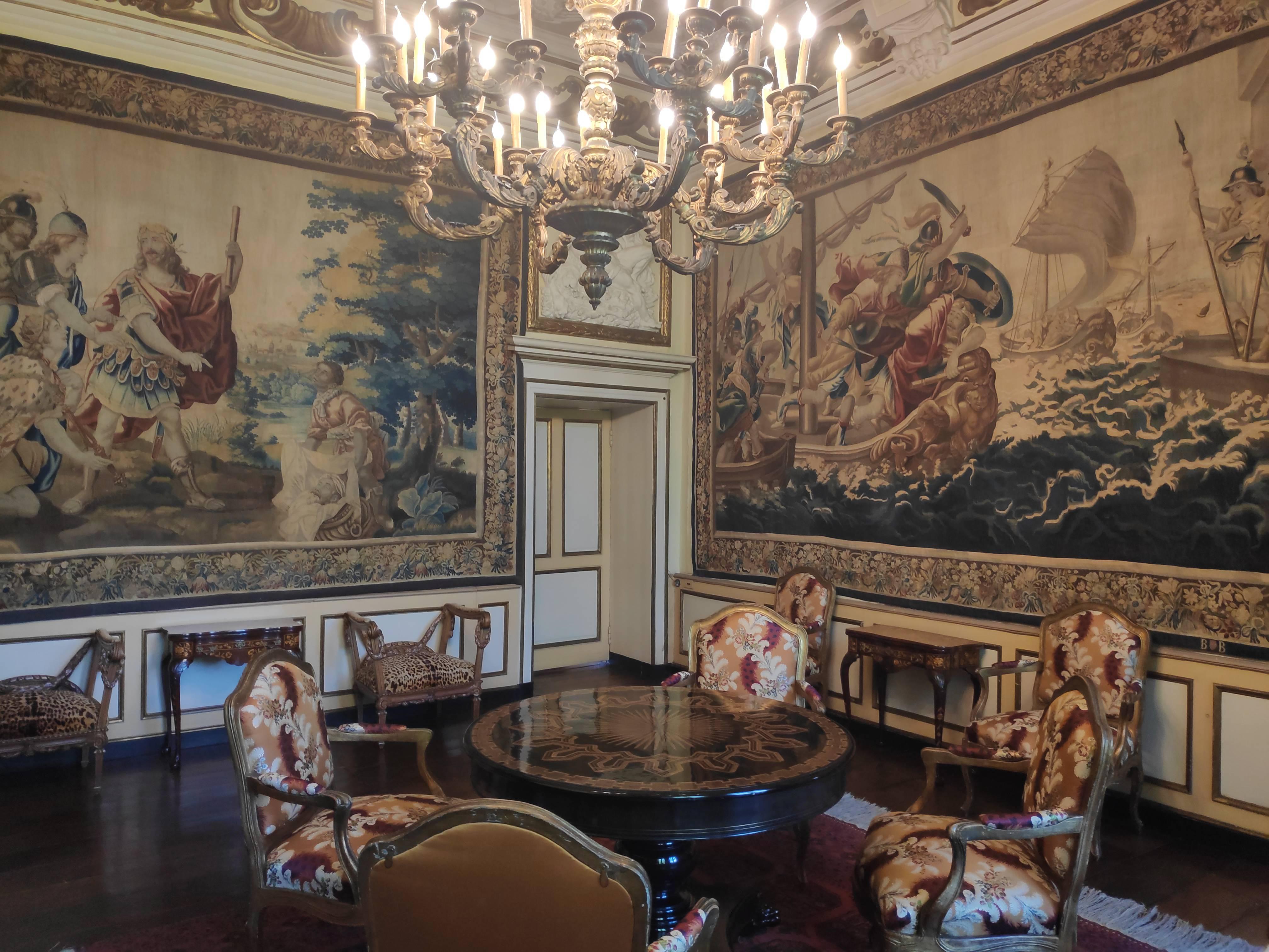 Mobilier et décoration remarquable au château de Modave